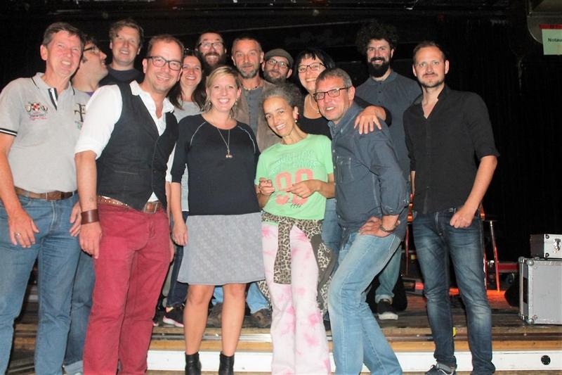 Geretsrieder Kultur im Herbst 2016 - Claudia Koreck im Hinterhalt