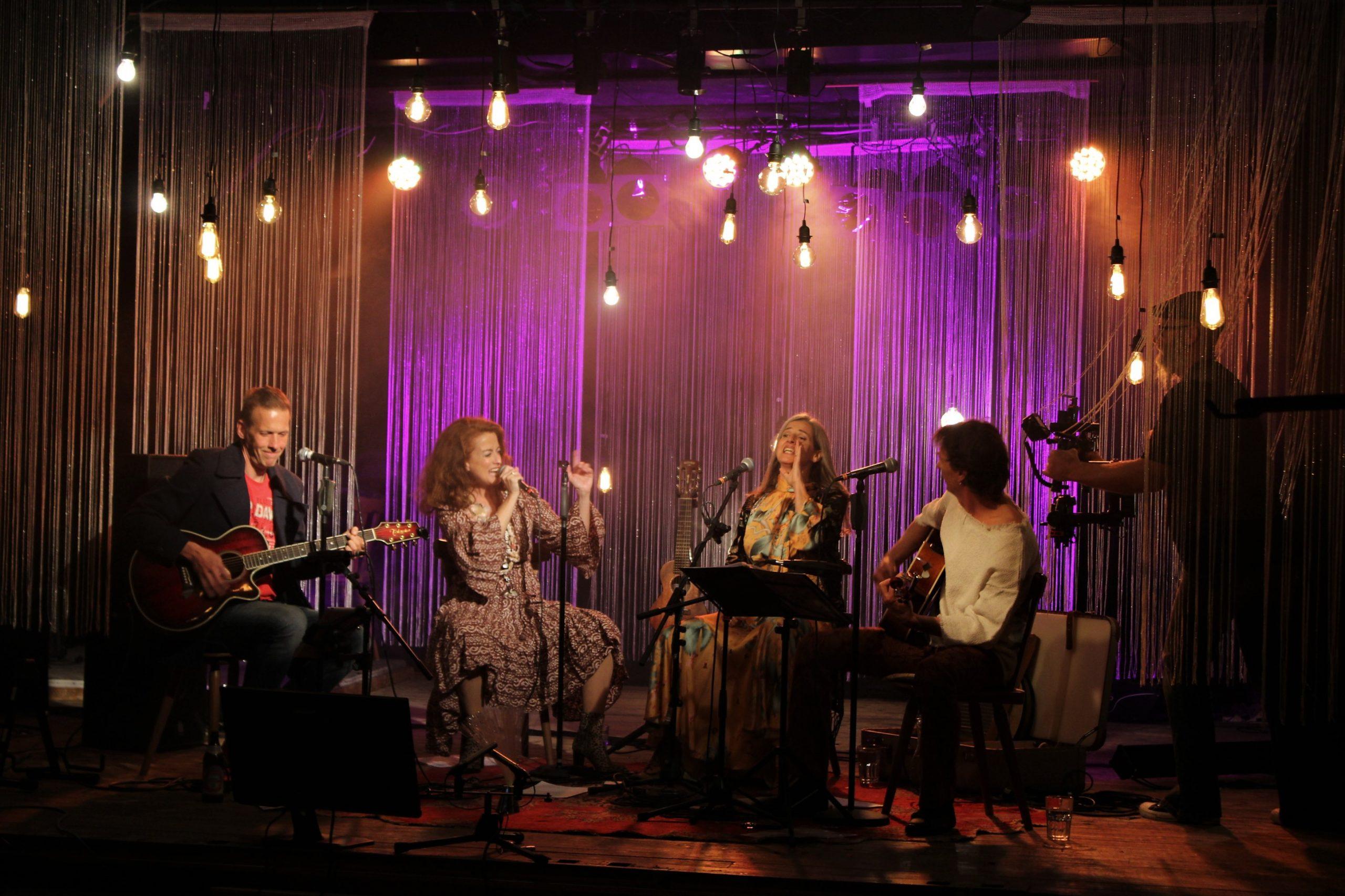 1. Jahrestag der corona-bedingten LIVE-Streams in der Kulturbühne Hinterhalt – Hippiekammerorchester