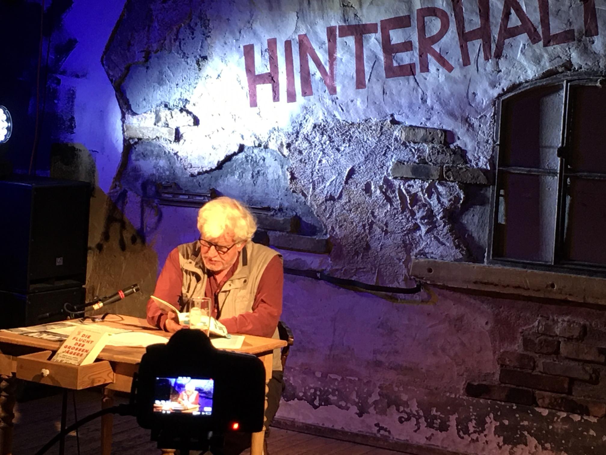 """Lesung mit Claus-Peter Lieckfeld – """"Die Flucht des großen Jägers"""" -Live-Stream am Freitag, 24.7., Beginn 20 Uhr"""